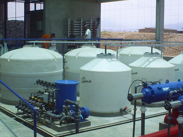 SISTEMA DE ABONADO / FERTILIZER TANKS